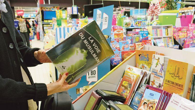 Le rayon livres du centre commercial de Sartrouville, dans les Yvelines.