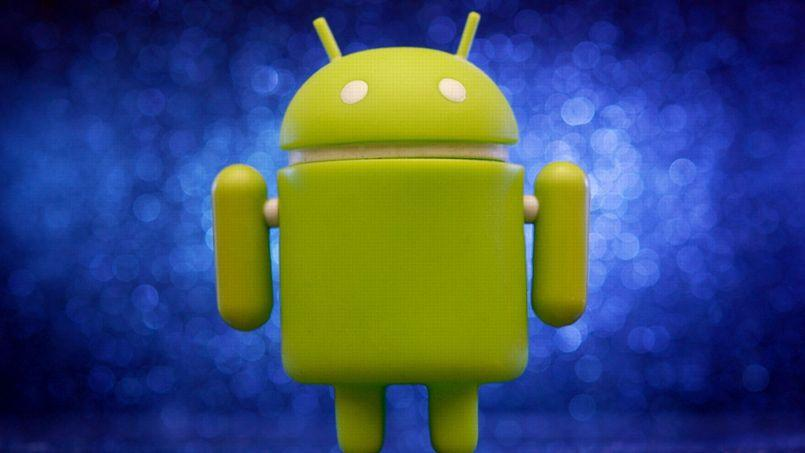 La mascotte d'Android, le système d'exploitation mobile développé par Google. (crédits: Flickr/CC/JD Hancock)