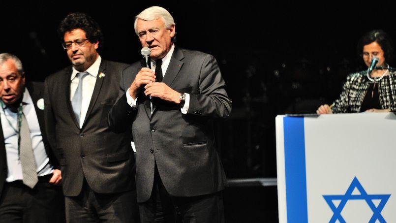 Le député-maire du XVIe arrondissement de Paris, Claude Goasguen, lors du 66e anniversaire de la création d'Israël