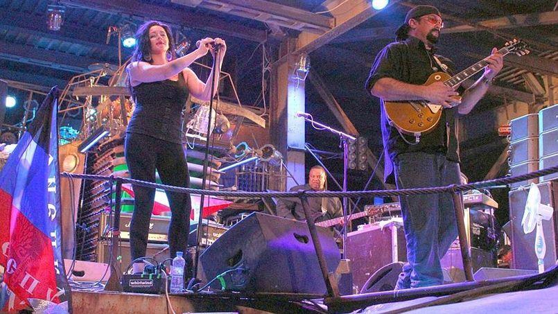 L'acteur Steven Seagal et son blues band en concert ce week-end à Sébastopol.