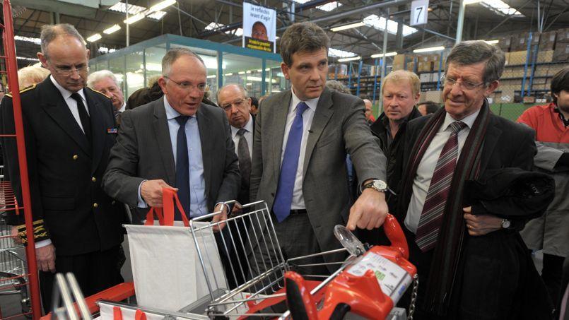 Arnaud Montebourg (ici en visite dans l'usine de Drusenheim, en juin 2013) avait fait de Caddie un symbole de sa politique de «redressement productif».