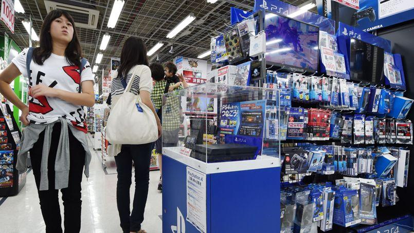 La console de Sony s'arrache en Europe et aux Etats-Unis, mais pas au Japon.