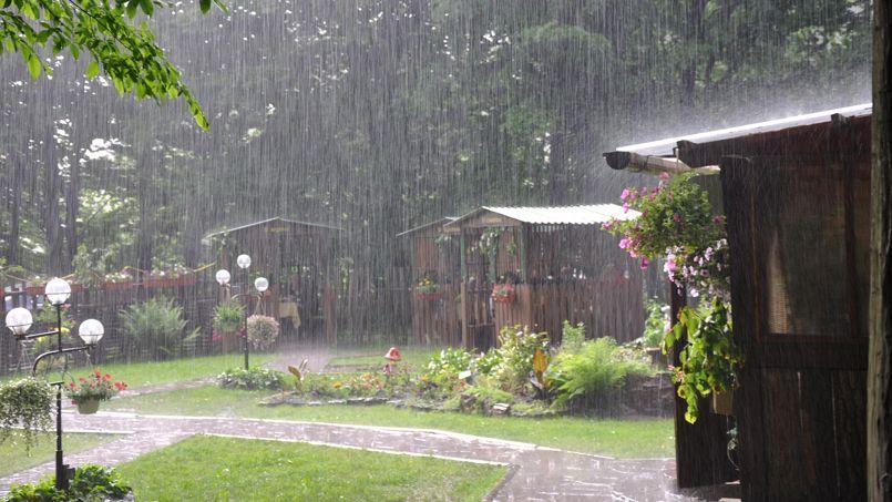 Les intempéries empêchent de profiter pleinement du jardin. Crédit photo: Oivanovskyy/Fotolia.com
