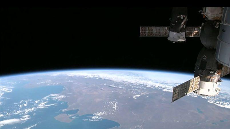La Station spatiale internationale (ISS) en orbite au-dessus de la Terre, le 12 août 2014.
