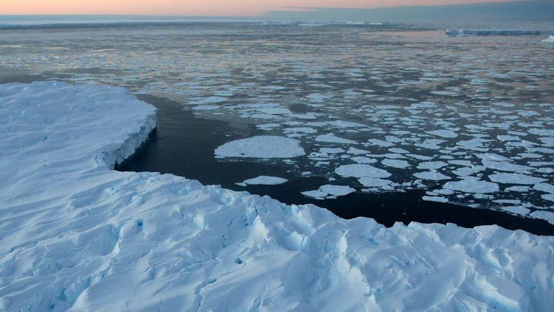 Le niveau des océans pourrait augmenter jusqu'à six mètres du fait de la fonte de la calotte glacière .