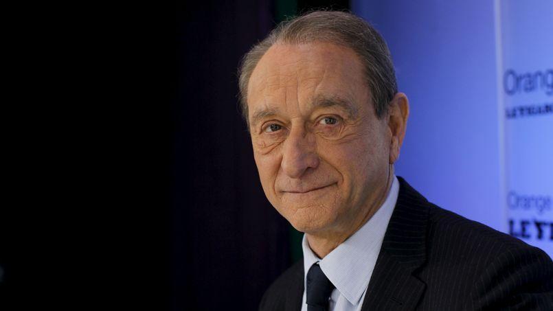 Le nom de l'ex-maire de Paris revient comme un serpent de mer. Sa forte popularité serait une dot précieuse pour l'exécutif.