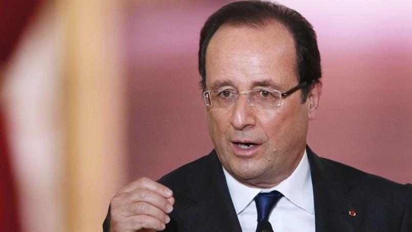 Pour certains internautes du Figaro, la dissolution de l'Assemblée nationale est la seule solution pour éviter le fiasco. Crédits photo: PATRICK KOVARIK/AFP
