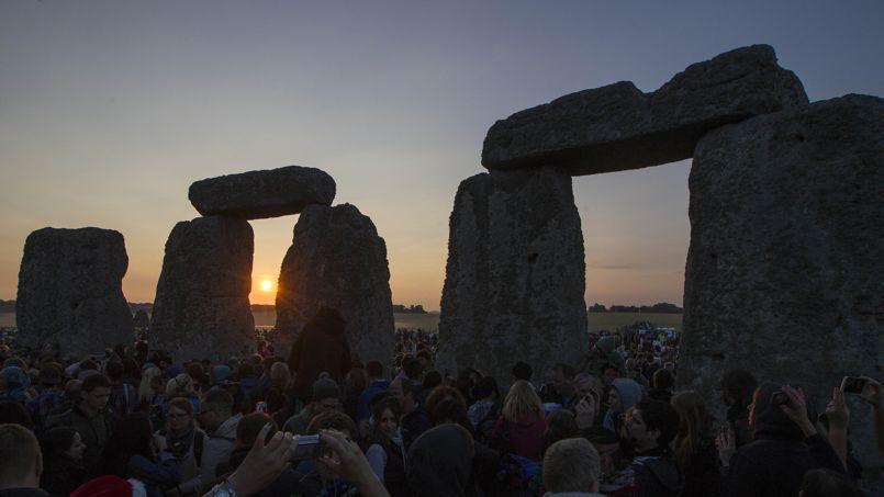 Quinze nouveaux monuments souterrains viennent d'être mis au jour sur le site de Stonehenge.