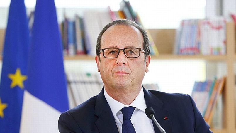 François Hollande au collège Louise Michel pour la rentrée scolaire, le 2 septembre.