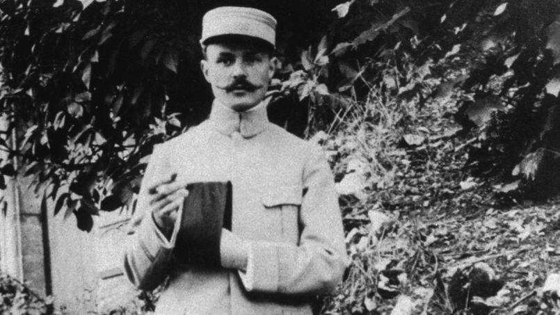 Maurice Genevoix blessé à la main durant la Grande Guerre.