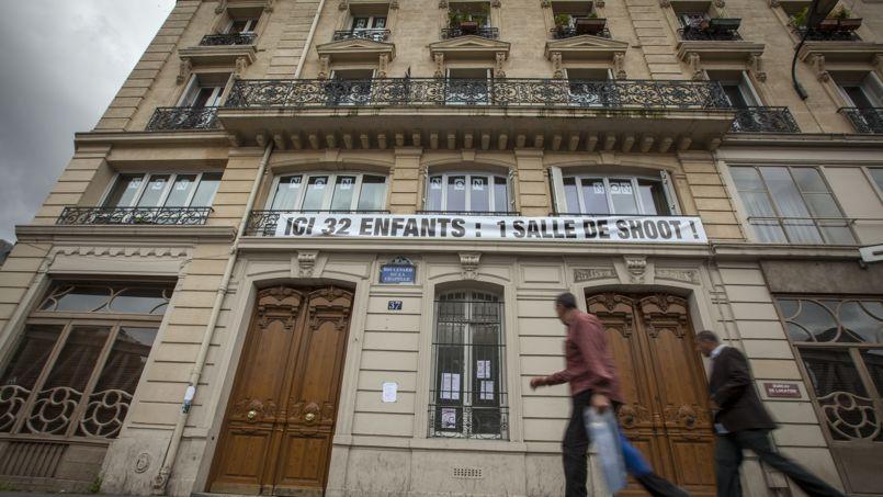 Les riverains du boulevard de la Chapelle protestaient, en juillet 2013, contre l'annonce de la création par le gouvernement Ayrault d'une première «salle de shoot», près de la Gare du Nord, à Paris. Une décision rejetée à l'époque par le Conseil d'État.