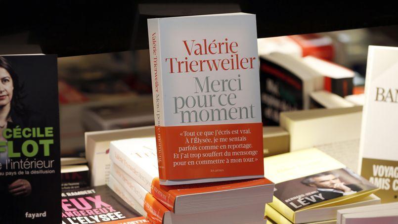 La Fnac a annoncé au Figaro Littéraire que 27 000 exemplaires avaient été écoulés depuis la mise en vente hier matin.