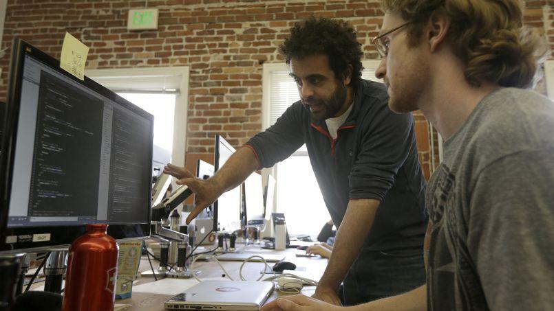 Les entreprises recherchent des dizaines de milliers de développeurs informatiques.