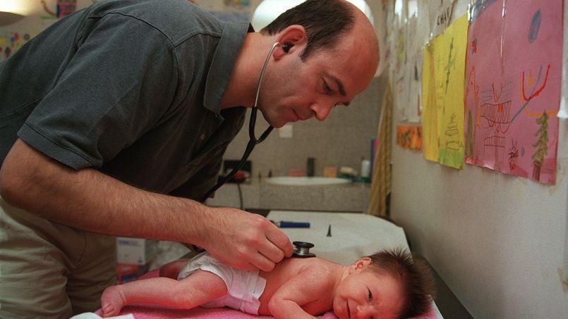 Les professions réglementées sont dans le viseur de Bercy. (DIDIER PALLAGES/AFP)