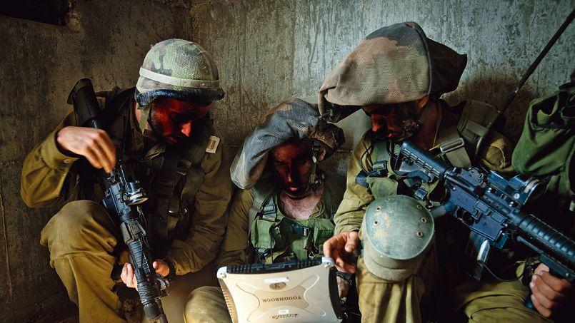 Des membres de l'unité 8200, spécialisée dans la collecte du renseignement, à l'entraînement à Tel-Aviv en septembre 2012.