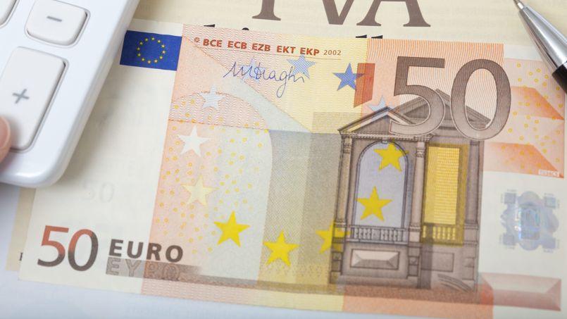 Un couple avec deux enfants qui gagne 50.000 euros bruts affiche un salaire net de cotisations salariales de d'impôts sur le revenu d'un peu plus de 38.000 euros.