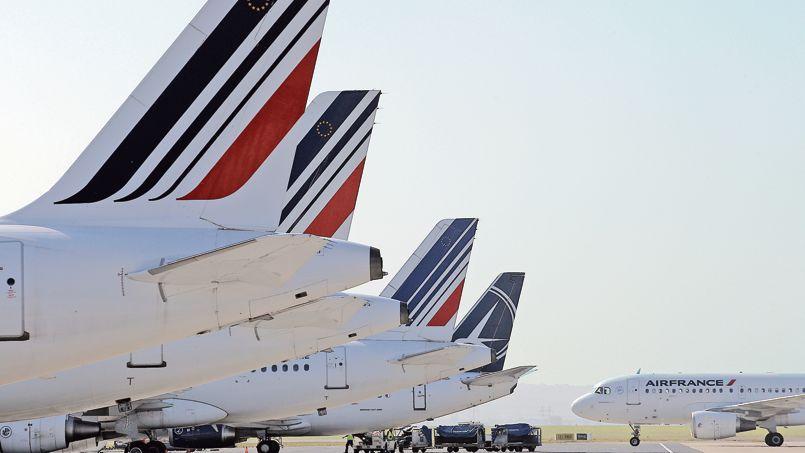 Avions d'Air France sur le tarmac de l'aéroport Roissy Charles de Gaulle.