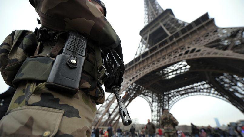 «La France est sans doute plus particulièrement exposée» compte tenu de son engagement en Irak, selon Bernard Cazeneuve.