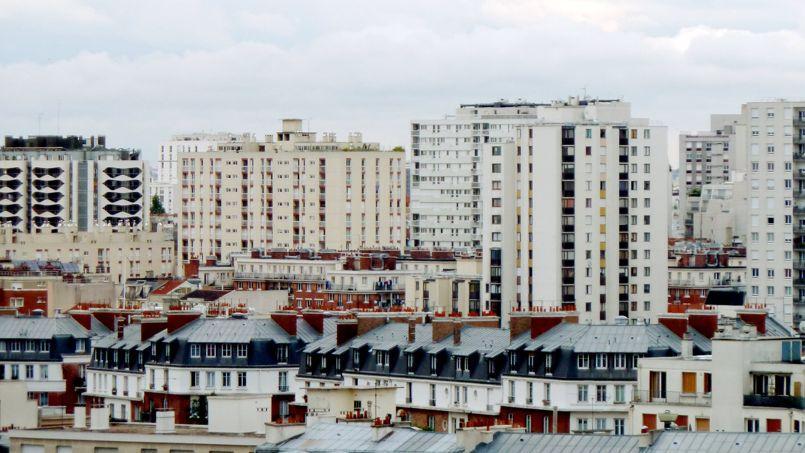 La ministre du Logement, Sylvia Pinel, a annoncé le déblocage de 400 millions d'euros par an pour le désamiantage des HLM.
