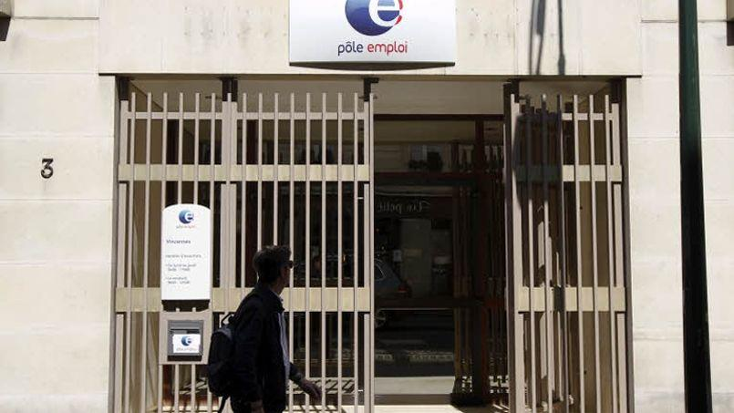 Chômage : Rebsamen se prend encore les pieds dans le tapis