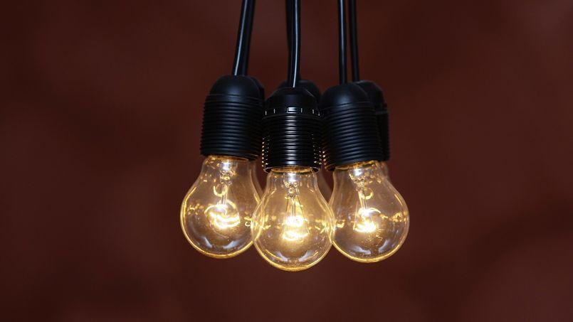 L'ampoule à incandescence est l'un des exemples fréquemment utilisés pour évoquer la notion d'obsolescence programmée.