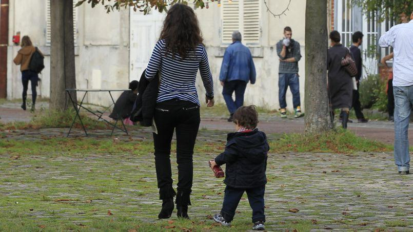 Une pétition contre la réforme du congé parental a déjà été signée par plus de 29.000 parents depuis l'annonce de sa réduction de six mois pour les mères dans la loi sur l'égalité femmes-hommes.