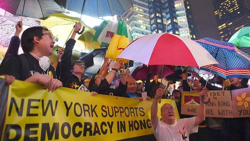 Rassemblement de soutien aux manifestants de Hongkong, mercredi sur Times Square, à New York.