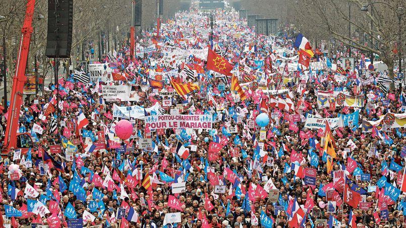 Le 24mars 2013, six semaines aprèsle vote de la loi Taubira en première lecture à l'Assemblée, la Manif pour tous avait dépassé, selon ses organisateurs, le millionde participants (300.000 pour la police).