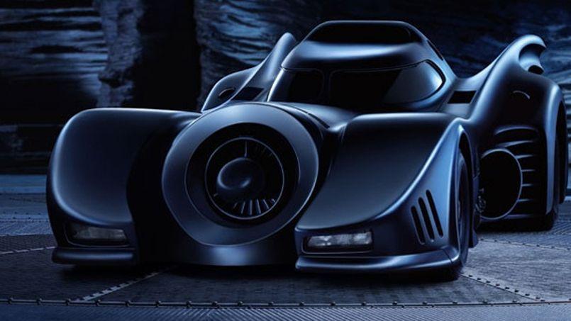 de l 39 aston martin la 2 cv les voitures mythiques du 7e art. Black Bedroom Furniture Sets. Home Design Ideas