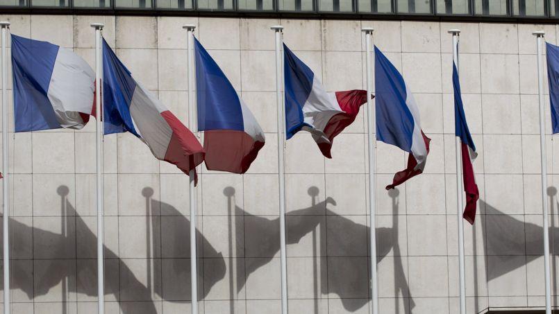Impayés, racket, CDD abusifs : la France, État voyou