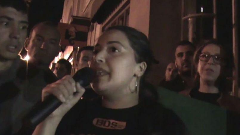 Des manifestants pro-palestiniens ont manifesté, lundi soir, lors de la projection du film Dancing in Jaffa au festival du cinéma israélien à Carpentras.