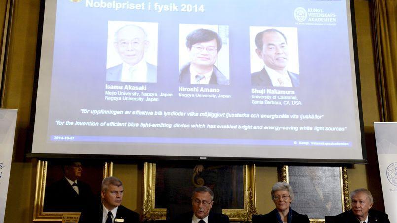 Le jury de quatre physiciens Per Delsing, Staffan Normark, Anne L'Huillier et Olle Inganas lors de l'annonce du prix Nobel de physique 2014.