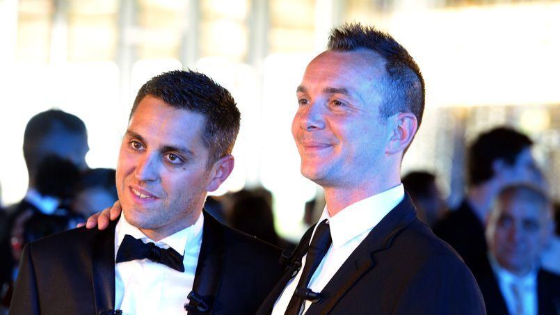 Vincent Autin (à droite) aux côté de Bruno Boileau, durant leur mariage à la mairie de Montpellier, le 29 mai 2013.