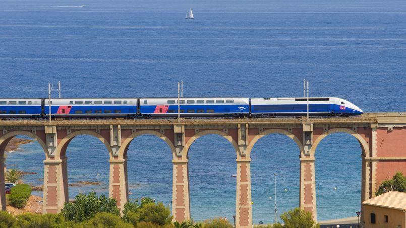 La rentabilité du TGV dégringole. La marge opérationnelle de 28% en 2007 a fondu pour atteindre seulement 12% en 2013