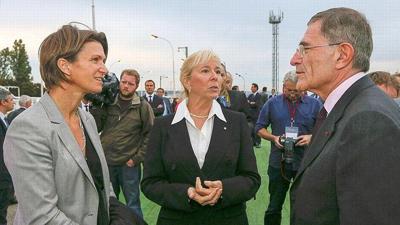 Gérard Mestrallet en discussions avec la nouvelle numéro deux de GDF Suez, Isabelle Kocher (à gauche)