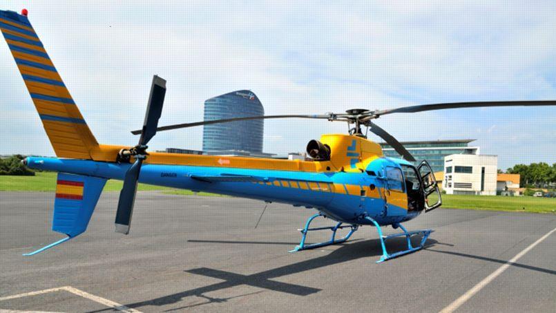Un hélicoptère monomoteur.