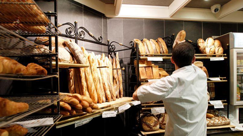 La réforme simplifiera le régime des congés d'été des boulangers en leur laissant la faculté d'organiser leurs congés entre eux, sans intervention des pouvoirs publics.