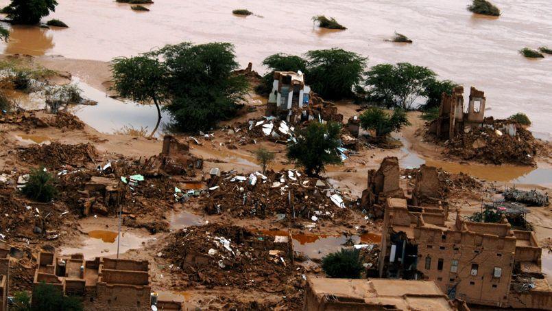 «Les régions où les précipitations ont augmenté sont plus nombreuses que celles où elles ont diminué», apprend-on dans le rapport. Ici, vue aérienne après une violente tempête au Yémen en 2008.