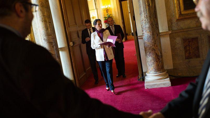 Ségolène Royal, jeudi, au Sénat. La ministre se pose en médiatrice dans cette affaire.
