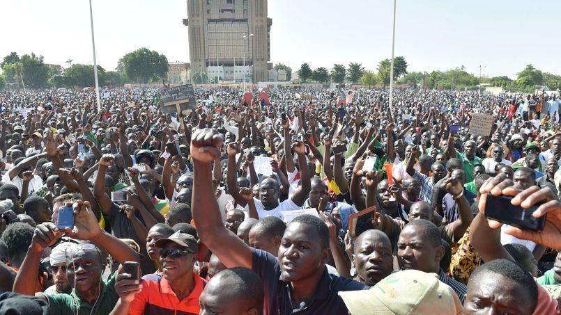 Manifestation contre le coup d'Etat militaire, à Ouagadougou, le 2 novembre.