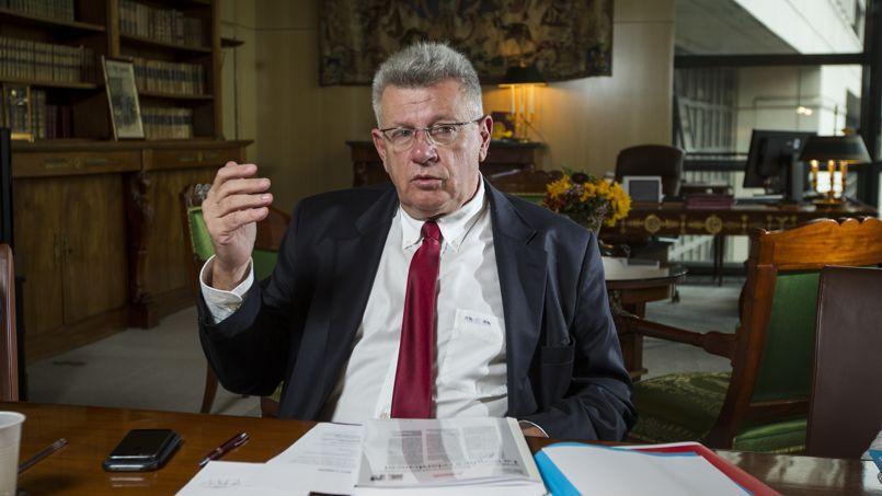 Christian Eckert, secrétaire d'Etat au budget, dans son bureau à Bercy, où il a reçu Le Figaro jeudi 6 novembre 2014.
