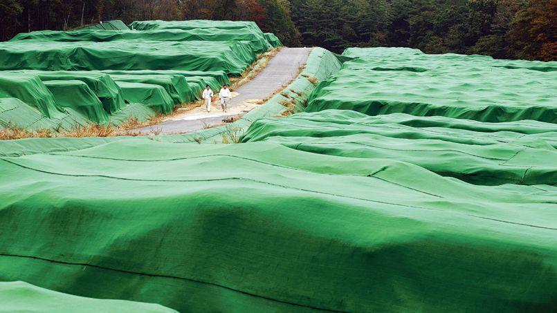 Le kariokiba d'Otsube, un centre provisoire de stockage des déchets radioactifs issus de la dépollution provenant de la zone contaminée de Fukushima, jeudi dernier.