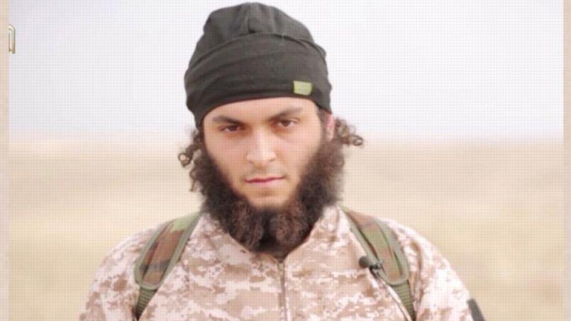 Michaël Dos Santos, 22 ans, pourrait être le second suspect français figurant sur la vidéo de décapitations multiples commises en Syrie et diffusée dimanche par la propagande de l'État Islamique.