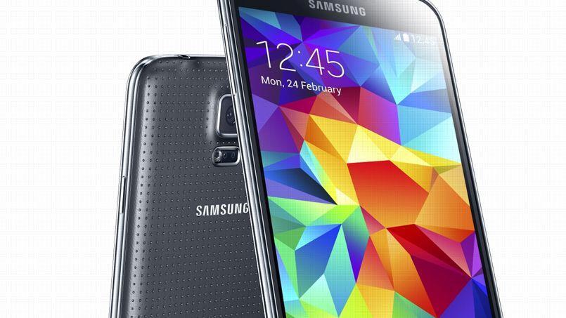 Samsung pourrait sortir un smartphone à écran pliable en 2015. Le Galaxy S5 (ci-contre), fleuron de la marque, se contente d'un écran «classique».
