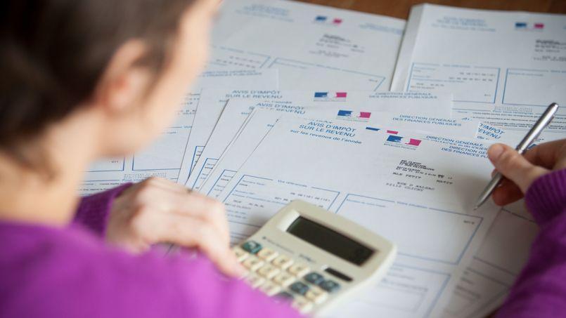 En 2014, les recettes fiscales nettes devraient être inférieures de 11,5milliards d'euros aux prévisions de la loi de finances initiale, dont 6,1 milliards sont imputables à l'impôt sur le revenu.