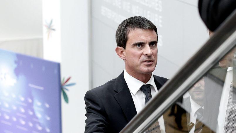 La popularité de Manuel Valls est un véritable paradoxe au sein d'un parti qui veut virer à gauche.
