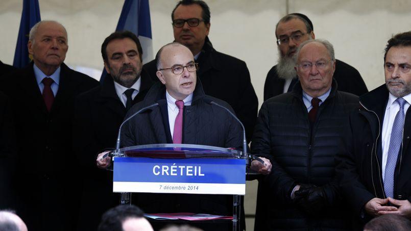 Bernard Cazeneuve, dimanche à Créteil.