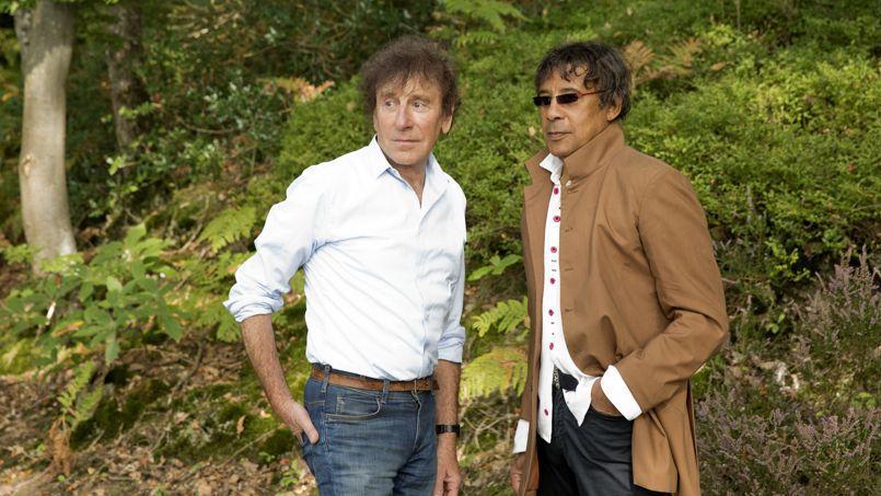 Les majors du disque s'en remettent au CD et à des artistes ultra-populaires (ici, Alain Souchon et Laurent Voulzy) pour atteindre l'équilibre.