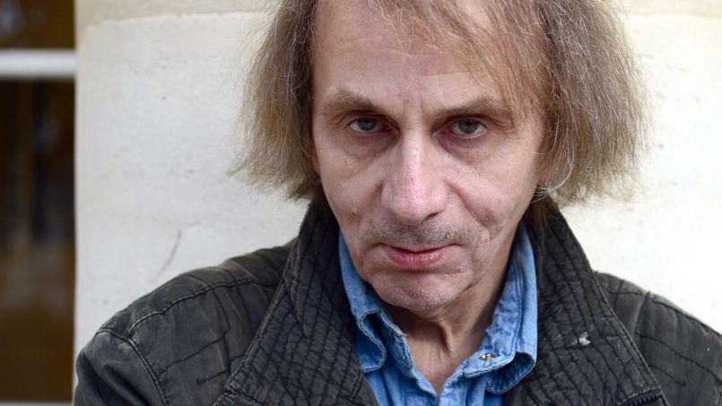 Michel Houellebecq place son prochain roman dans la France de 2022.