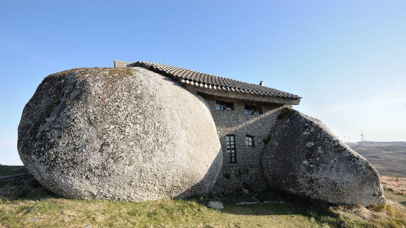 Vue arrière de la «casa do penedo», au Portugal. (Crédit: Feliciano Guimarães/ Flickr/ CC)
